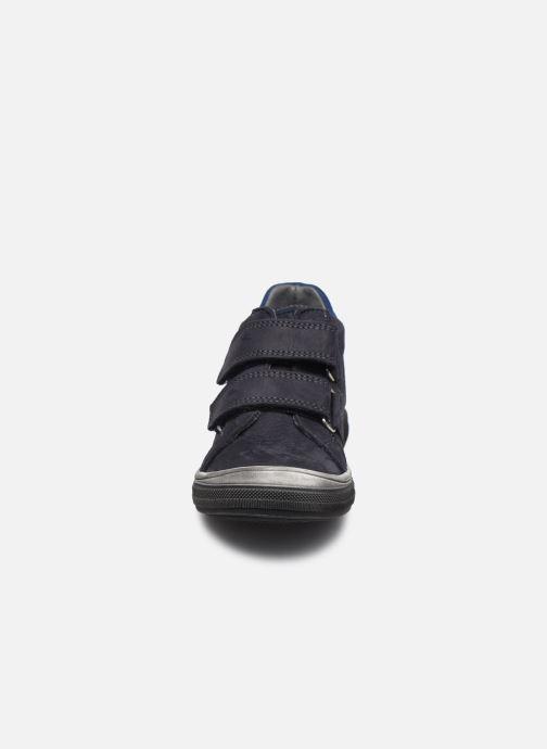 Sneaker Bopy Vilar blau schuhe getragen