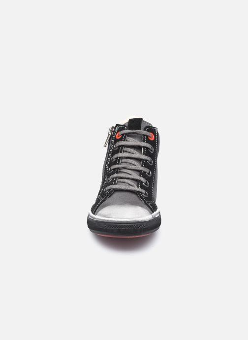 Baskets Bopy Vemigio Gris vue portées chaussures