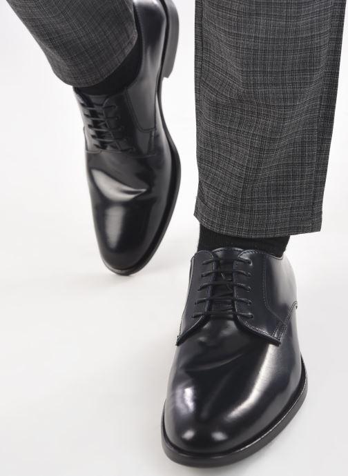 Schnürschuhe Marvin&Co Mansueto blau ansicht von unten / tasche getragen