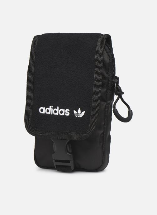 Bolsos de hombre adidas originals Pe Map Bag Negro vista del modelo
