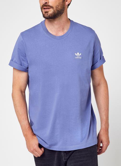 Vêtements adidas originals Essential Tee Bleu vue détail/paire