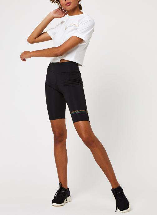 Vêtements adidas originals Pride Bike Shor Noir vue bas / vue portée sac