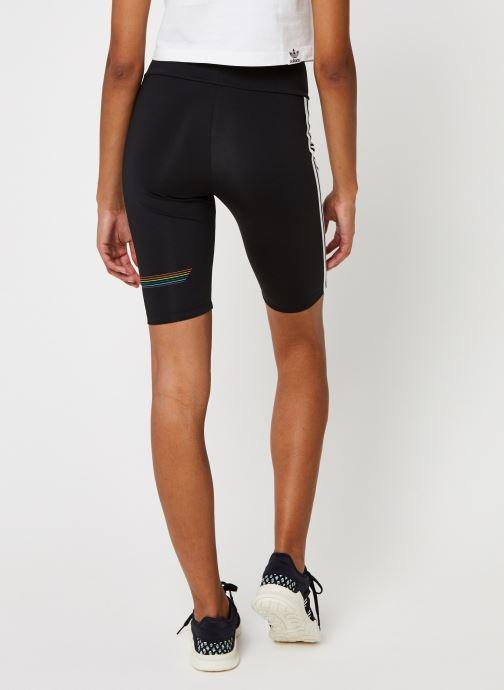 Vêtements adidas originals Pride Bike Shor Noir vue portées chaussures
