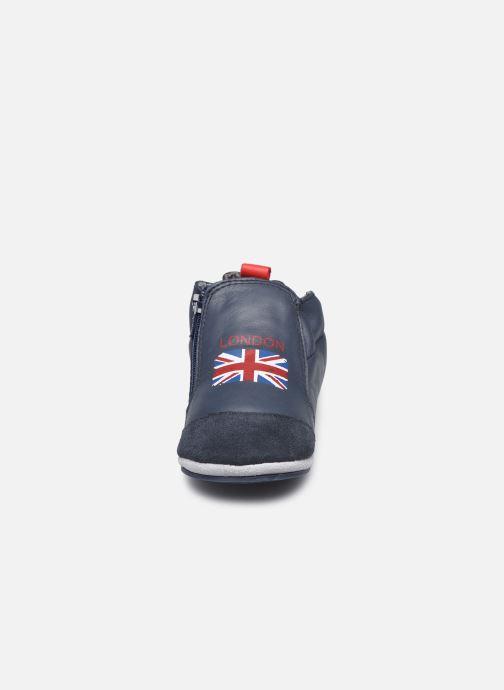 Pantofole Robeez London Flag Azzurro modello indossato