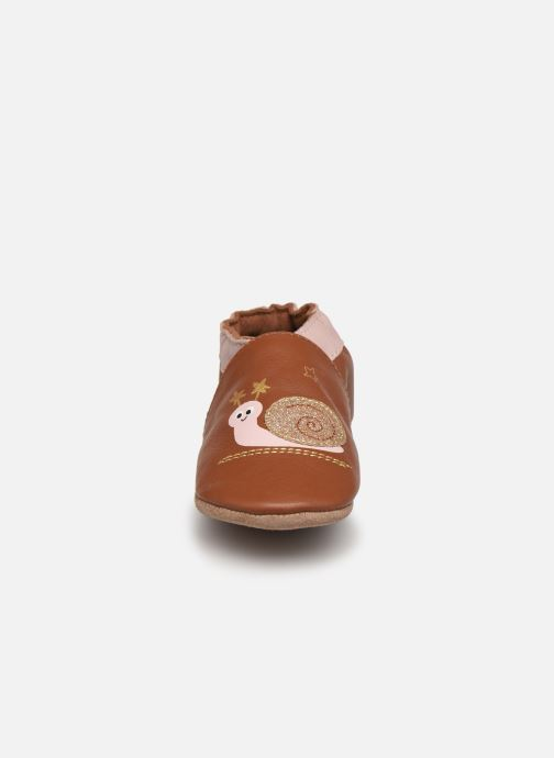 Chaussons Robeez Lovely Snail Rose vue portées chaussures