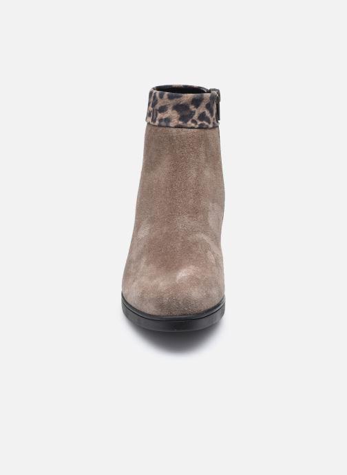 Bottines et boots Gabor Giulia Marron vue portées chaussures
