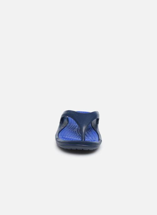 Infradito Crocs Athens M Azzurro modello indossato