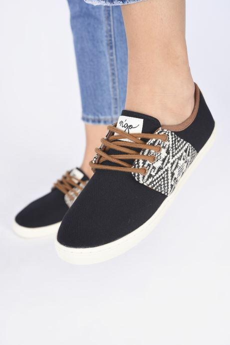 Sneaker N'go An Binh W schwarz ansicht von unten / tasche getragen