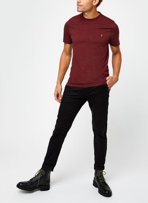 Vêtements Farah Danny SS Tee Rouge vue bas / vue portée sac