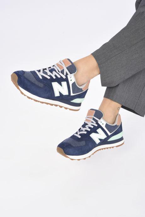 Sneaker New Balance WL574 W blau ansicht von unten / tasche getragen
