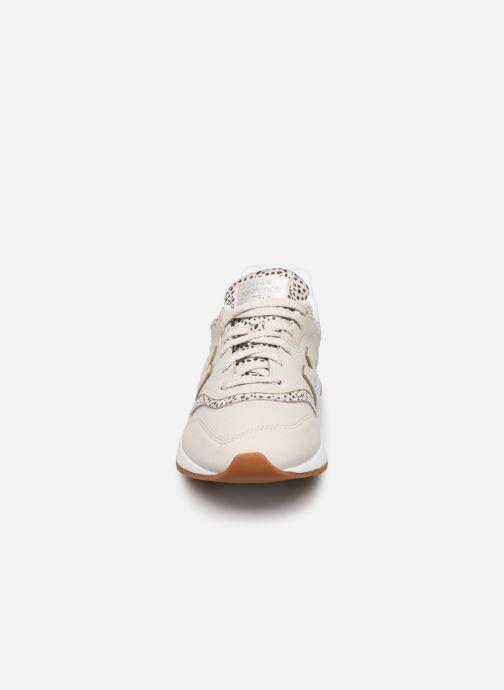 Baskets New Balance CW997 W Gris vue portées chaussures