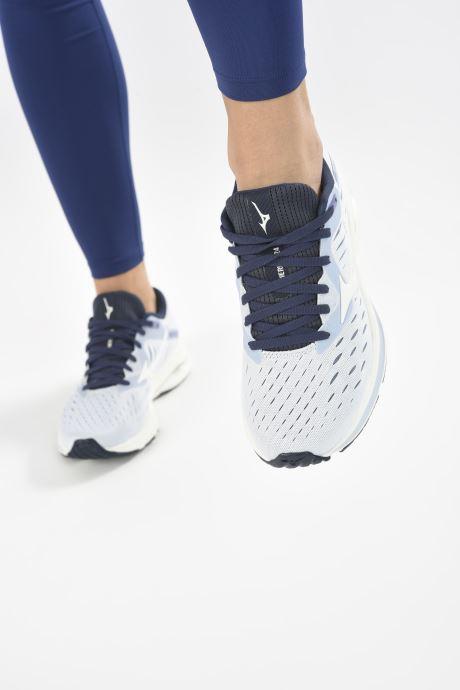 Chaussures de sport Mizuno Wave Rider 24 - W Bleu vue bas / vue portée sac