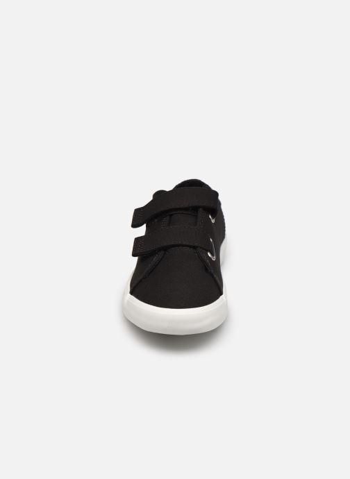 Sneakers Timberland Newport Bay Canvas 2 Strap Ox Nero modello indossato