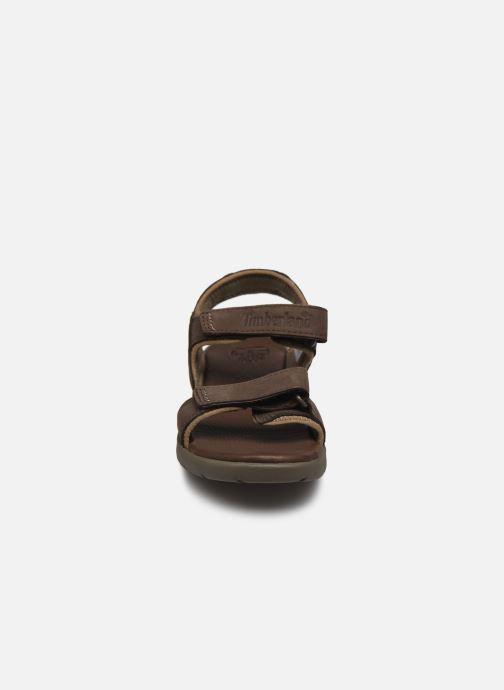 Sandali e scarpe aperte Timberland Nubble Sandal Leather 2 Strap Marrone modello indossato