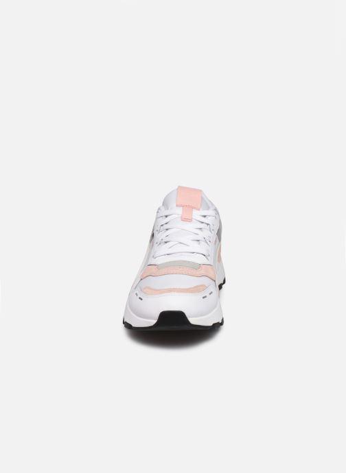 Sneaker Puma RS-2.0 Futura weiß schuhe getragen