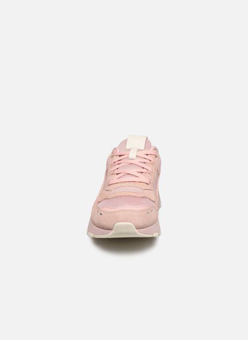 Sneakers Puma RS-2.0 NU wns Rosa modello indossato