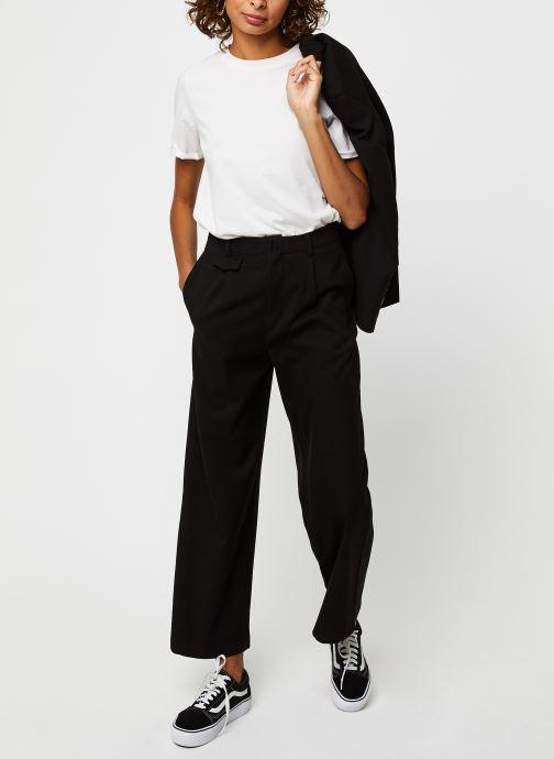 Vêtements The Korner 20249035 Noir vue bas / vue portée sac