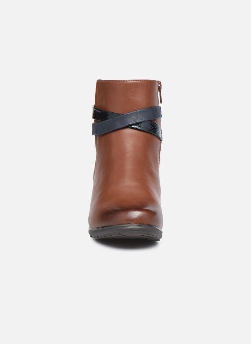 Stivaletti e tronchetti Jana shoes Meava Marrone modello indossato