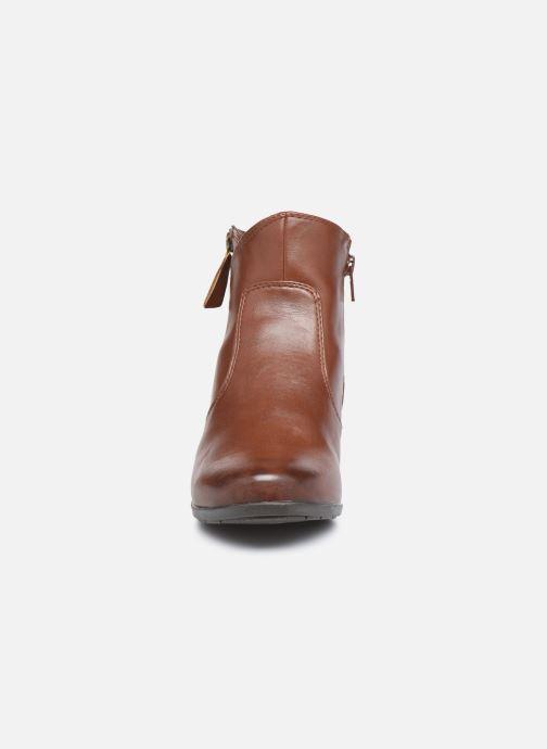 Botines  Jana shoes Genam Marrón vista del modelo