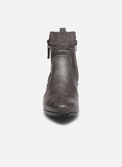 Stiefeletten & Boots Jana shoes Carlam grau schuhe getragen