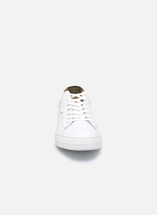 Sneaker Schmoove Spark Clay Nappa/Tong Nappa weiß schuhe getragen