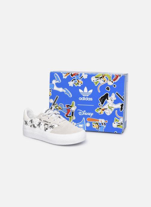 Baskets adidas originals 3MC I X Disney Sport Goofy Blanc vue 3/4