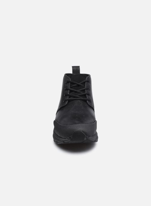 Baskets Levi's Mojave Noir vue portées chaussures
