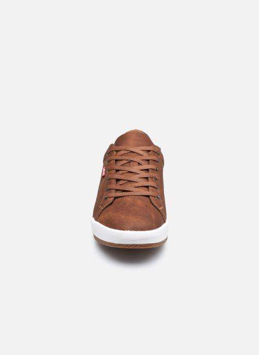 Baskets Levi's Cogswell Marron vue portées chaussures