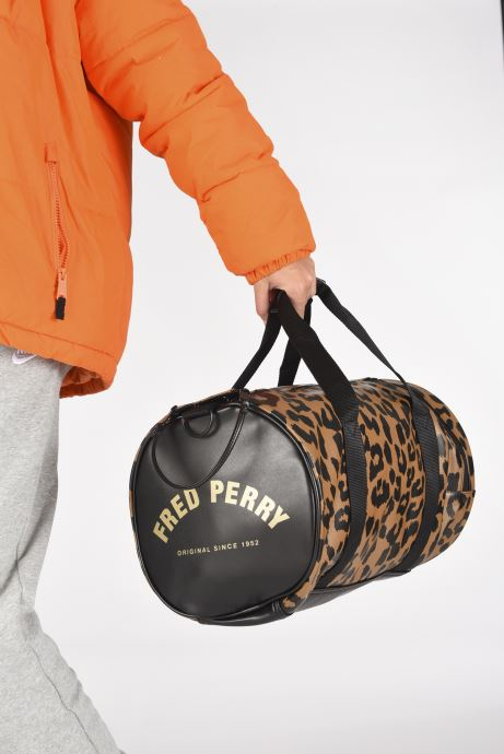 Bagages Fred Perry Leopard Print Barrel Bag Marron vue bas / vue portée sac