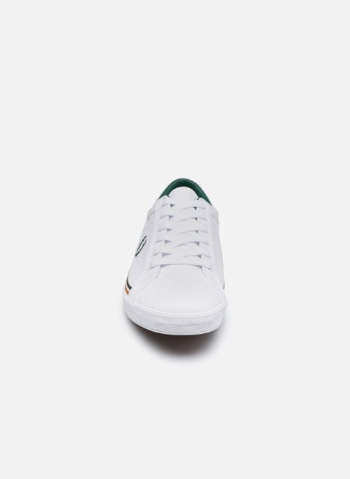 Baskets Fred Perry Baseline Twill Blanc vue portées chaussures