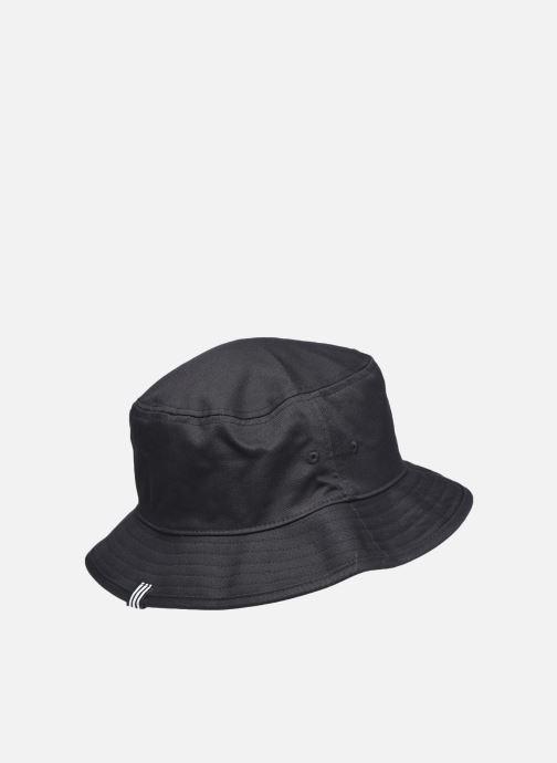 Cappello adidas originals Bucket Hat Ac Nero modello indossato