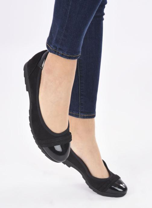Ballerines Jana shoes Beelly Noir vue bas / vue portée sac