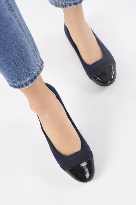 Ballerines Jana shoes Ibizu Bleu vue bas / vue portée sac