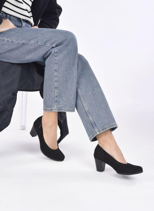 Pumps Jana shoes Romanza schwarz ansicht von unten / tasche getragen