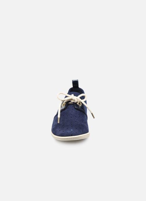 Sneakers Armistice Stone One W Angel Azzurro modello indossato