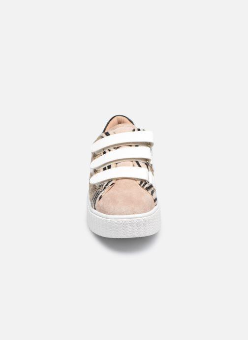 Baskets Vanessa Wu BK2165 Beige vue portées chaussures