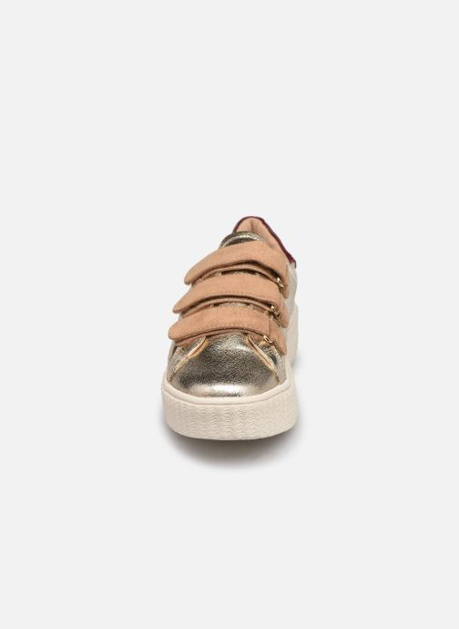 Baskets Vanessa Wu BK2181 Or et bronze vue portées chaussures