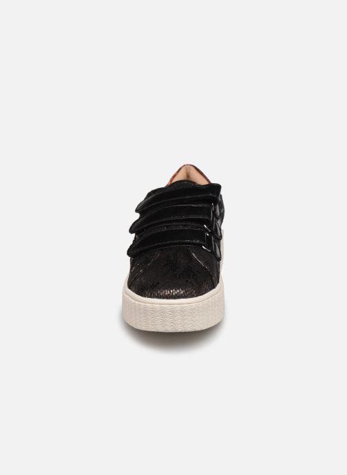 Baskets Vanessa Wu BK2182 Noir vue portées chaussures