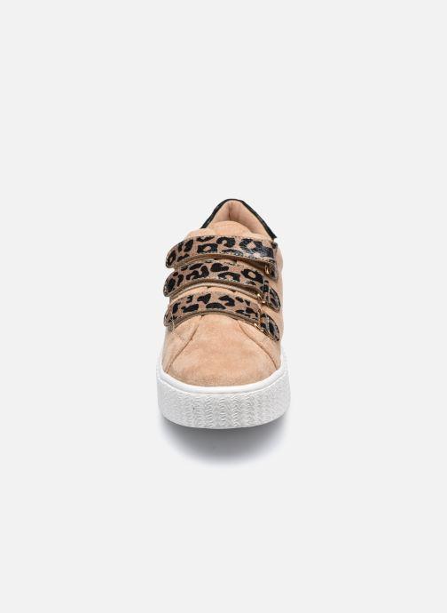 Baskets Vanessa Wu BK2182 Beige vue portées chaussures
