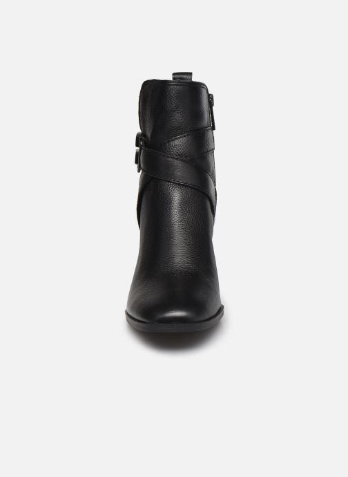 Boots en enkellaarsjes Guess FL8PAT LEA10 Zwart model