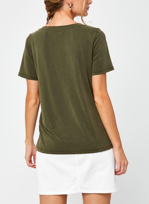 Vêtements Vila Vimodala V-Neck T-Shirt Vert vue portées chaussures