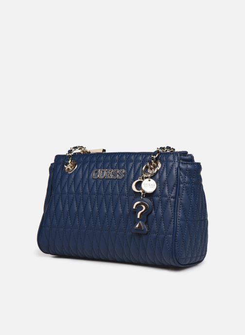 Borse Guess BRINKLEY SOCIETY SATCHER Azzurro modello indossato