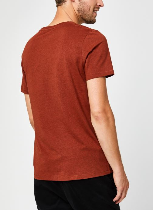 Vêtements Selected Homme Slhastor Ss O-Neck Tee B Rouge vue portées chaussures