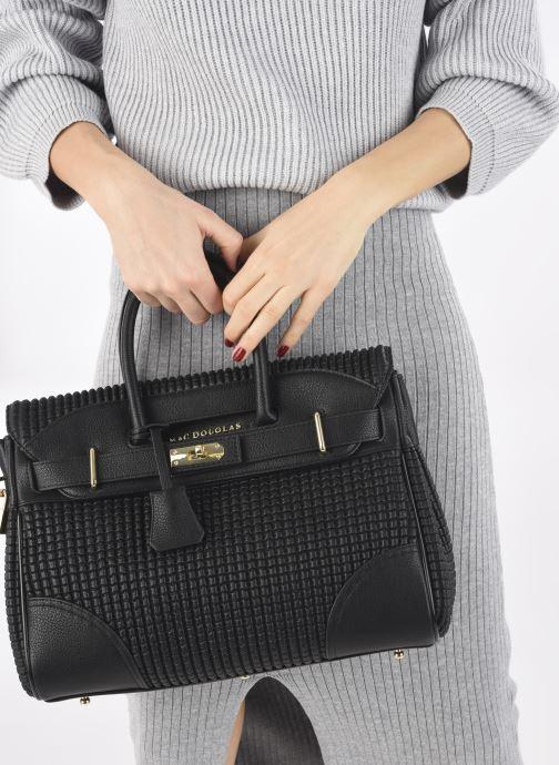 Handtaschen Mac Douglas Pyla XS Bryan schwarz ansicht von unten / tasche getragen