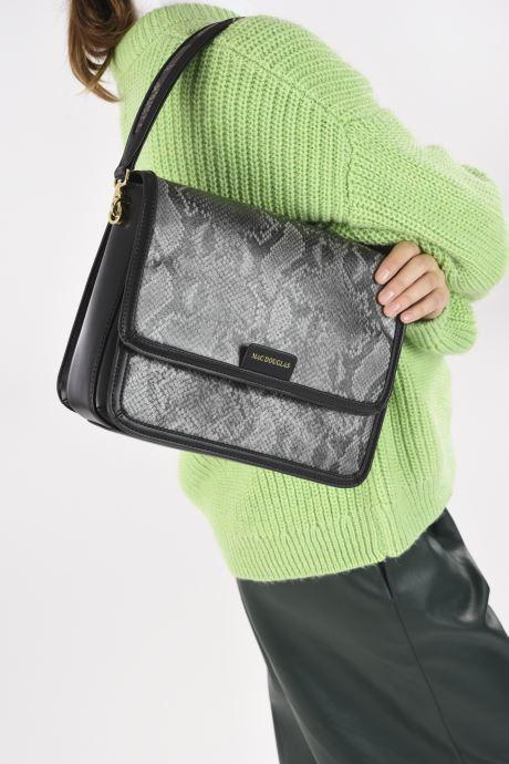 Handtaschen Mac Douglas Nangy M Paloma grau ansicht von unten / tasche getragen