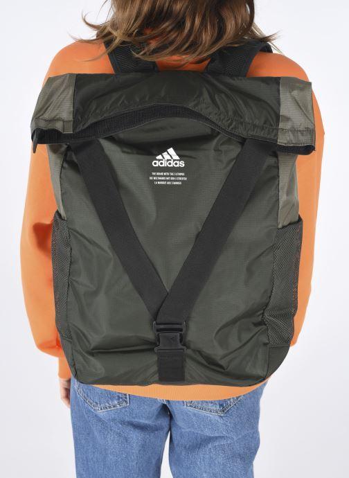 Rucksäcke adidas performance Classic Bp Flap schwarz ansicht von unten / tasche getragen