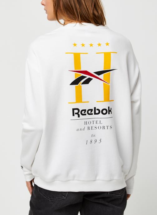 Vêtements Reebok Cl Gp Hotel Crew Blanc vue portées chaussures