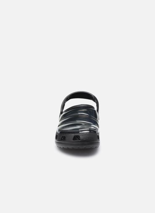 Mules et sabots Crocs Classic Neo Puff Clog W Noir vue portées chaussures