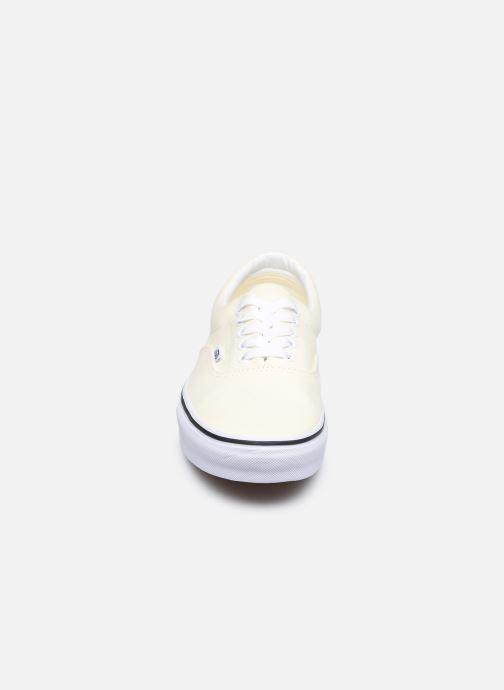 Sneaker Vans UA Era beige schuhe getragen