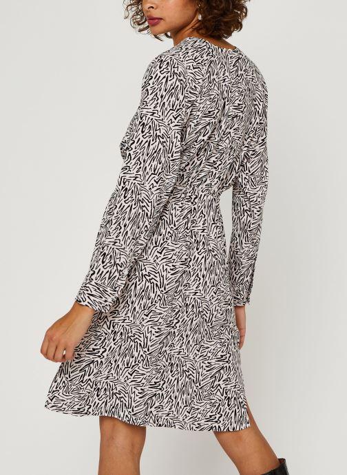 Vêtements Levi's Jacinda Dress Beige vue portées chaussures